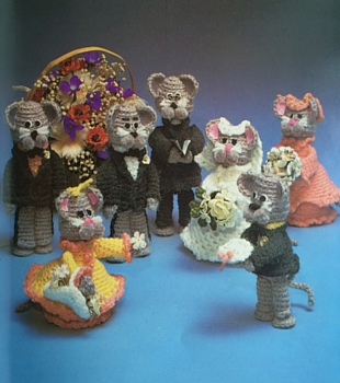Mouse wedding party from 'The Great Crochet Bazaar Book'