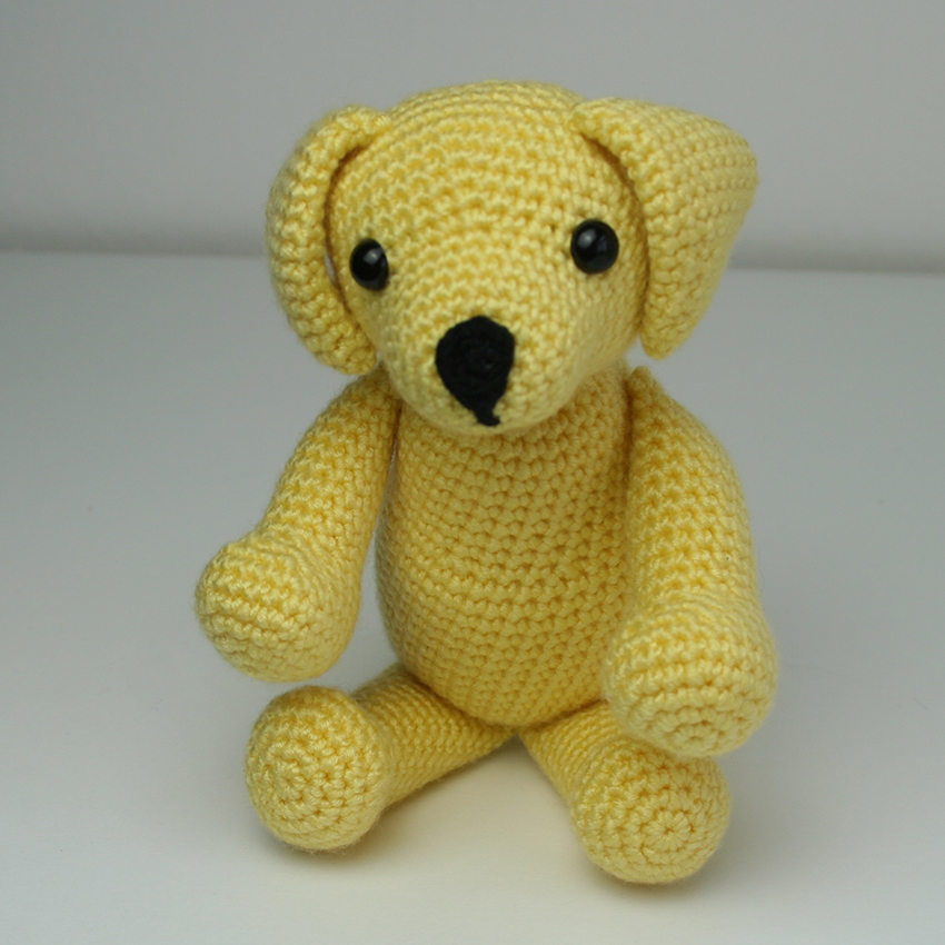 crochet yellow labrador